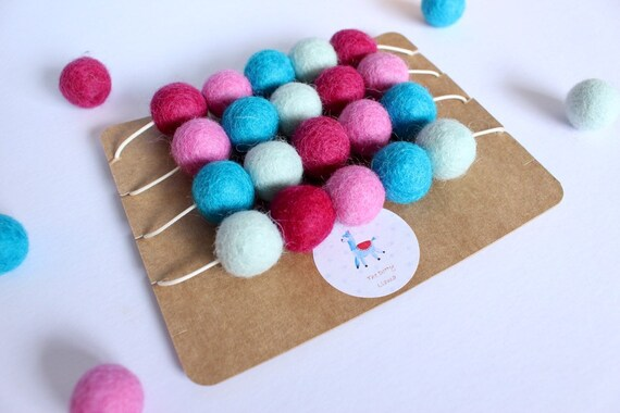 Modern Nordic Wood Beads Pompom Wall Hanging Ornament Home Room Decoration Gift