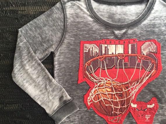 Chicago Bulls Hoodie Womens    Womens Chicago Bulls Shirt  e4c0e76052