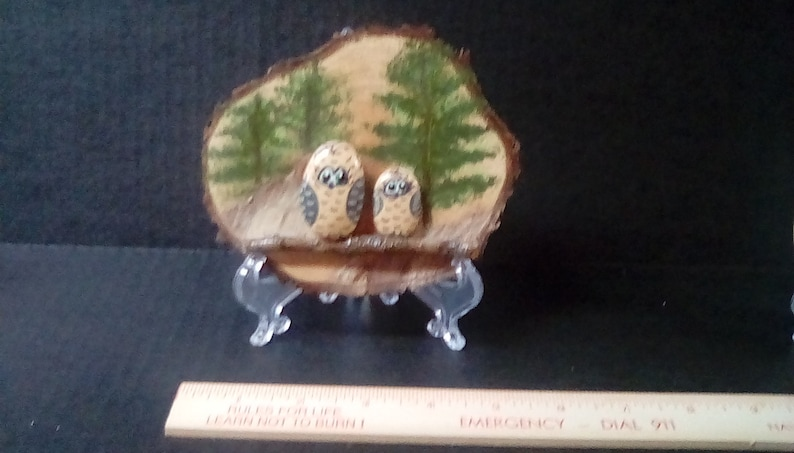 includes stand Two Cute Owls on a Branch Plaque