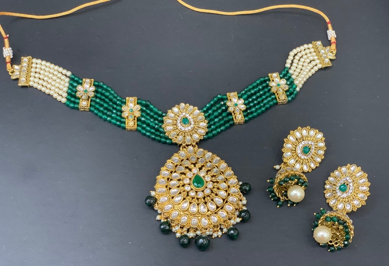 Indian wedding jewelry Kundan gold choker set in different colors with earrings,Pendant style choker set