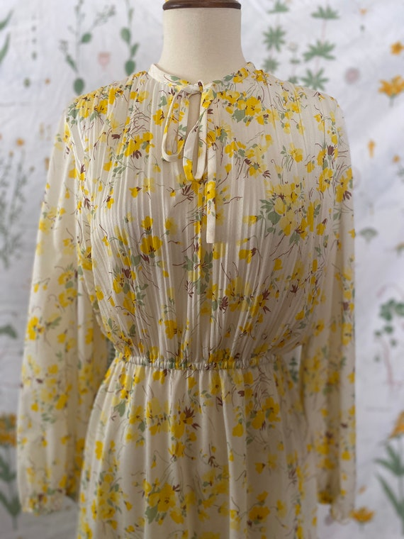 Vintage 70s Serbin Vibrant Yellow Floral Pleated S