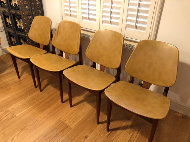Terrific Eon Elliots Of Newbury Dining Set 4 Teak Dining Chairs 1970S Retro New Vinyl Upholstery In Your Choice Of Colour Pabps2019 Chair Design Images Pabps2019Com