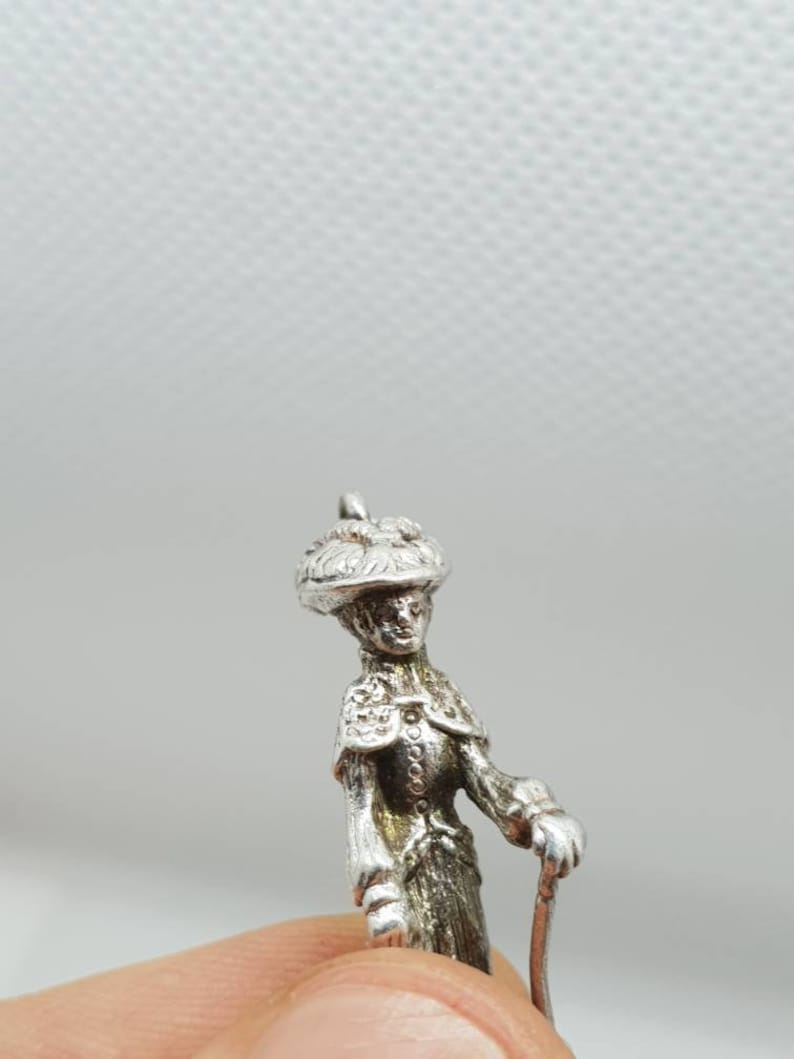Vintage silver heavy Edwardian victorian lady mary poppins charm figure with umbrella bracelet necklace pendant retro musical film