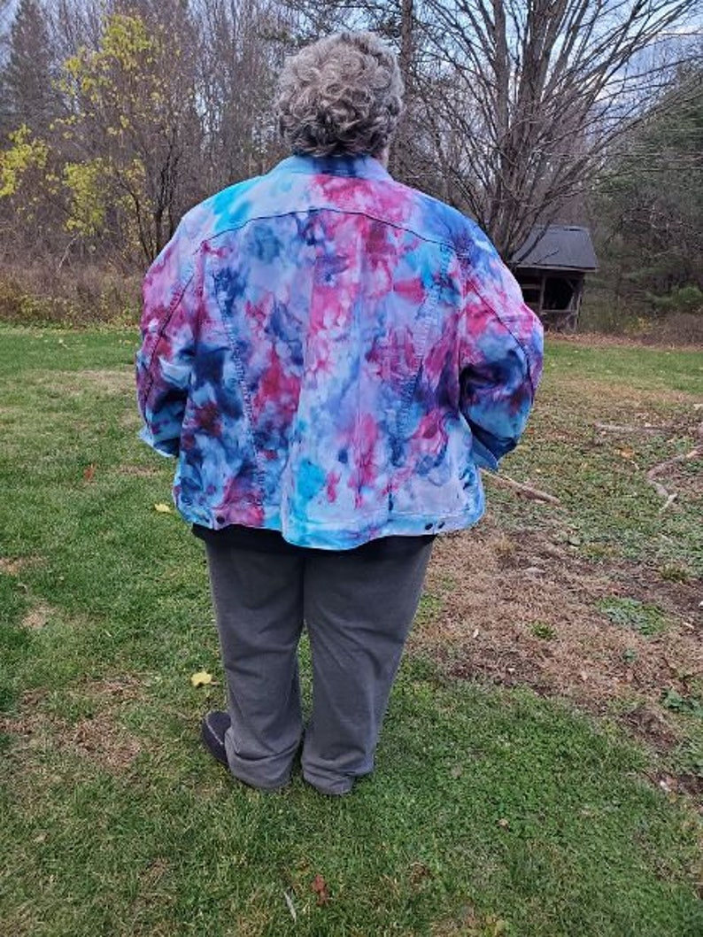 free shipping. ships immediately Ice dyed women/'s denim jacket Plus size tie dyed women/'s size 4X blue and lilac denim size 36 jacket