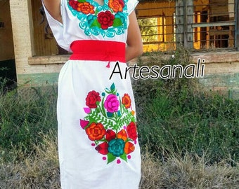 e3f9bf1ad2 Mexican Embroidered peasant dress size Medium-Large belt included