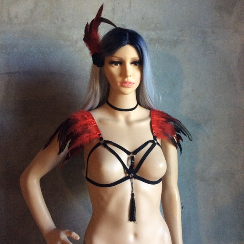 necklace choker NEW 3PC FIRE RED Feather bra harness cage cover up /& hair clip in set boho chic warrior festival gogo costume Edc rave