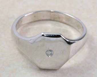 Sterling silver gents Diamond set signet ring. Real round cut Diamond. Perfect gift idea for any occasion