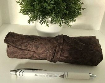 Fabric Pen Roll       Holds 7 Pens plus 2 smaller pens