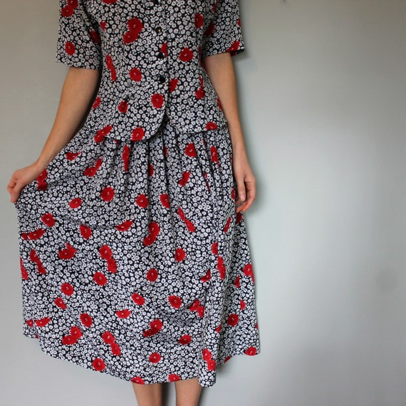 Vintage 1980s two piece set • Skirt and top • Flo… - image 5