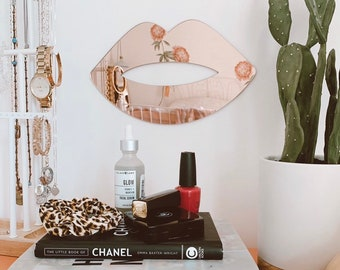 Rose Gold Acrylic Lips Mirror