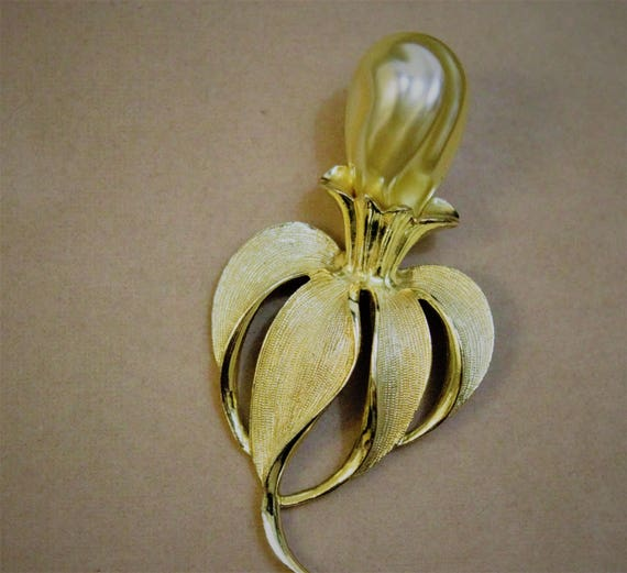 1980's Sarah Coventry Pear Brooch