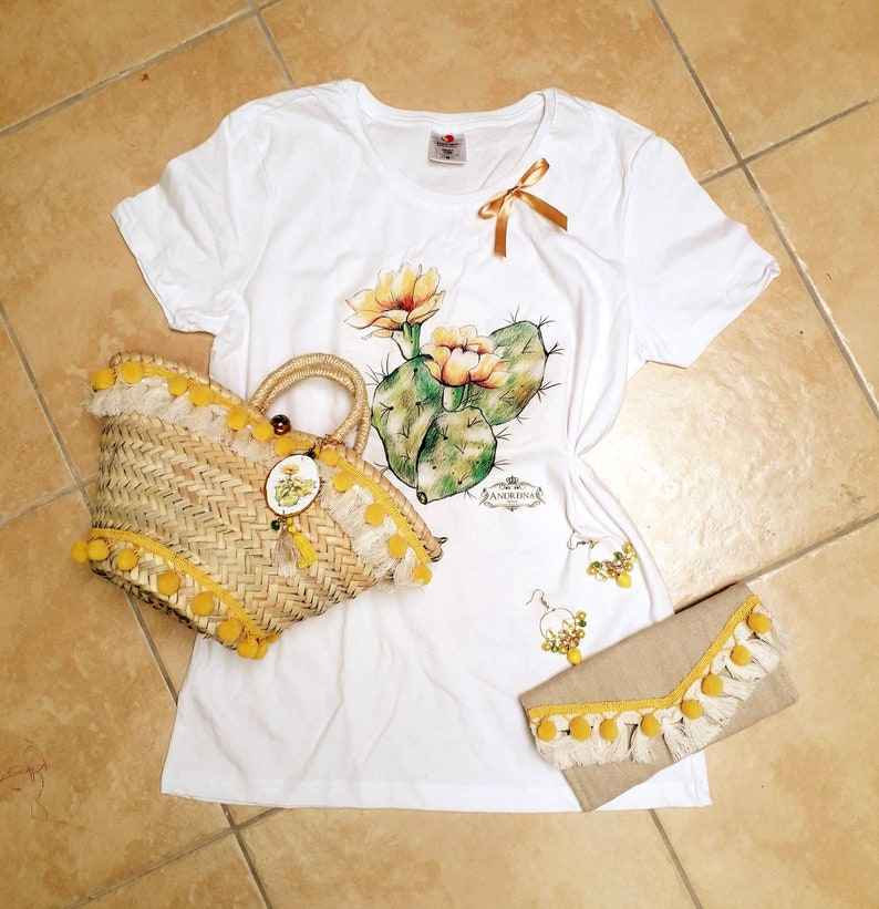 Sicilian-style women/'s jersey with hand-crafted drawing prickly pears Sicilian souvenir Sicilian women/'s T-shirts