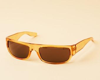 Lunettes de soleil Vintage Grafika - prêt à porter - enroulé 90 s lunettes  de soleil - Unique Orange translucide - gris Lens - Design Italie 871c3c58d044