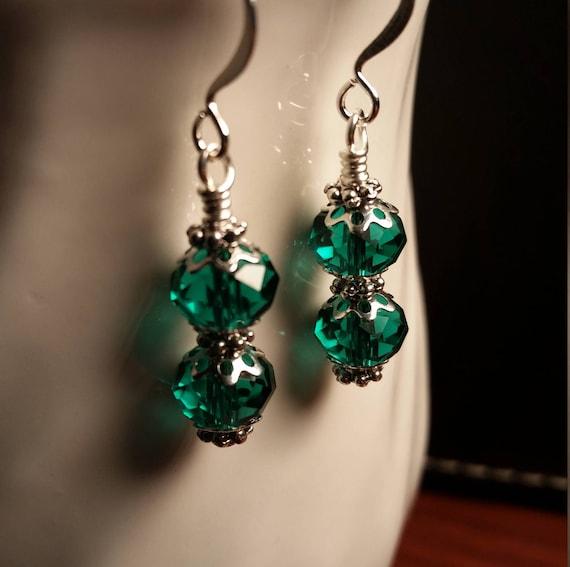 Green Crystal Glass Bead Wire Drop Dangle Earrings