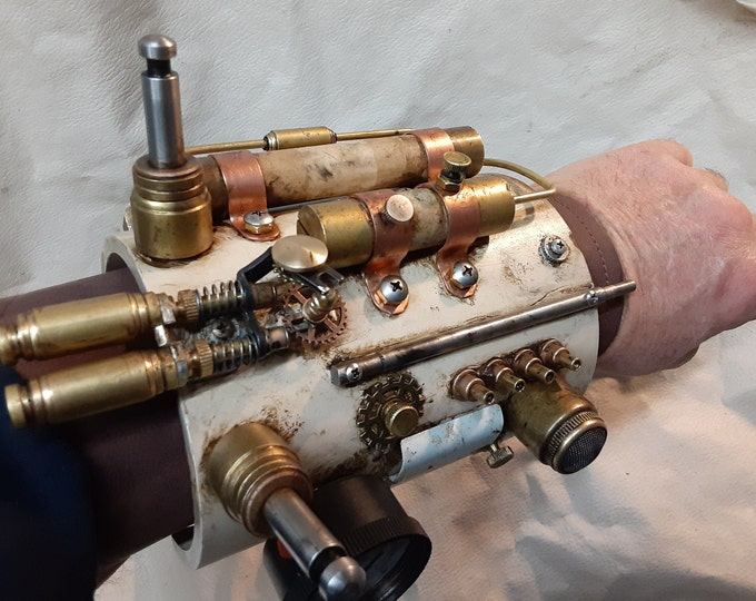 Steampunk Aged and Distressed Engineers' Gauntlet and Goggles