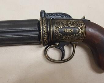 Steampunk 1840 Aged British Pepperbox Revolver Revolver