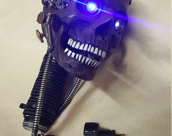Steampunk Terminator T-18 Battle Damaged Skull