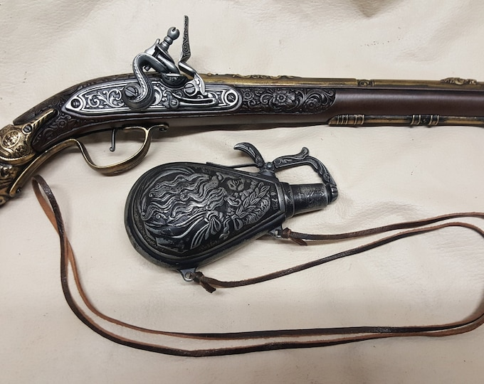 17th Century Aged German Flintlock Pistol With Powder Flask