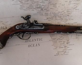 1825 Non-Firing Aged Italian/Pirate's Percussion Pistol Replica