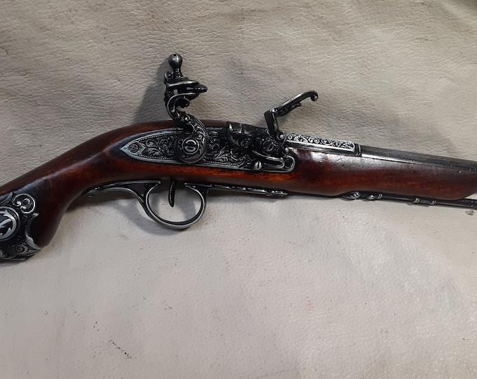 18th Century Non-Firing Aged Pirate's Flintlock Pistol Replica