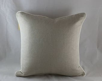 Linen cushion from the natural collection