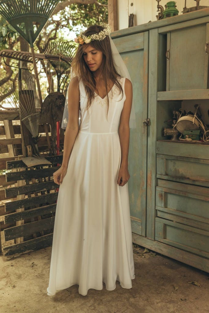 Simple wedding dress Hippie wedding dress Romantic wedding