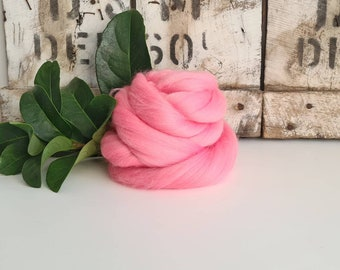 50g of Extra Fine Merino Wool Tops/Wool Roving || Baby || From DHG Shop Italy