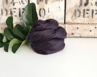50g of Extra Fine Merino Wool Tops/Wool Roving || Seal || From DHG Shop Italy