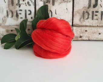 50g of Extra Fine Merino Wool Tops/Wool Roving || Chinese Lacquer  || From DHG Shop Italy