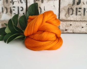 50g of Extra Fine Merino Wool Tops/Wool Roving || Marigold || From DHG Shop Italy