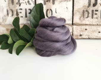 50g of Extra Fine Merino Wool Tops/Wool Roving || Storm || From DHG Shop Italy