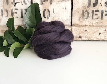 50g of Extra Fine Merino Wool Tops/Wool Roving    Seal    DHG Italy