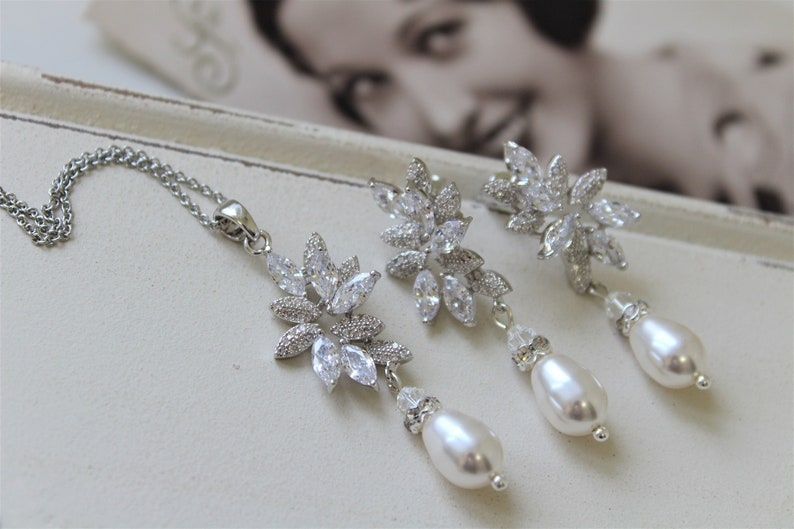 Pearl Earrings Art deco Jewelry Bridal jewelry Pearl Earring And Necklace set Dangle Weddings Wedding Earrings Silver Bridal Earrings