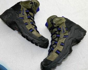 detailing c578a de106 Vtg 90s NIKE ACG Mens 10 Hiking Trail Boots Leather Tan Purple Black