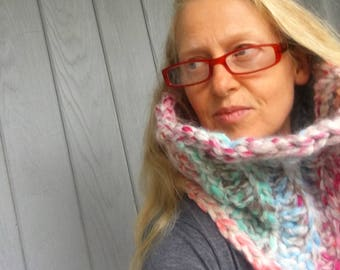 Aloha Cowl - Chunky Crochet Wool Cowl Neckwarmer