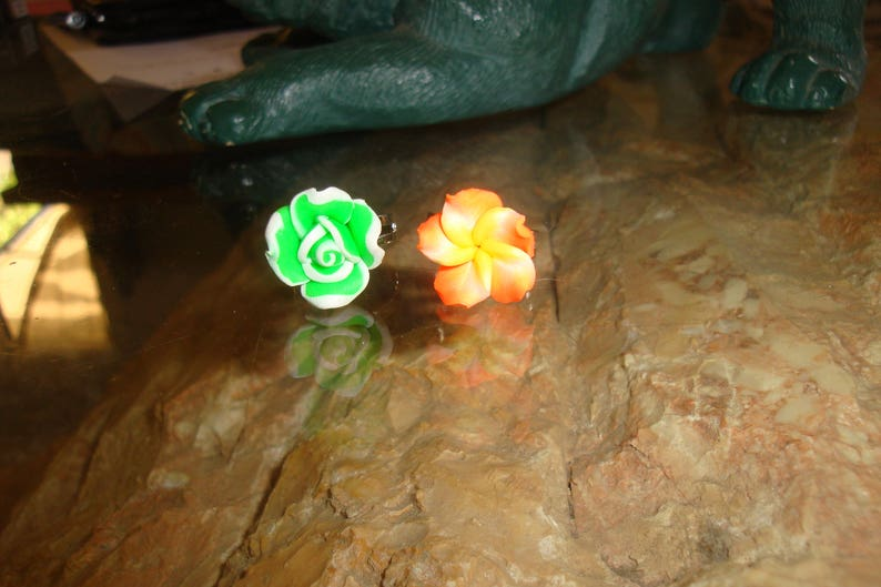 light green color a flower of the Islands Orange pink flowers polymer clay soft set of 2 silver rings adjustable for little girl