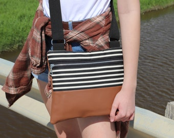 Striped Cross Body Bag for Women. Casual Canvas Purse for summer, vacations, everyday use. Cute Crossbody Bag for moms and teens.