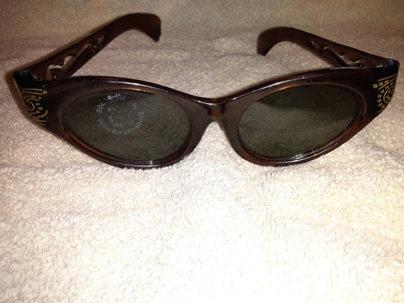 Retro Sunglasses - image 9