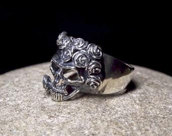 Skull and Roses Ring Sterling Silver Skull ring Biker skull rings Gothic ring Gift with meaning Skull with roses ring Rocker silver jewelry