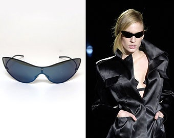 b9aeb71caff GUCCI by TOM FORD s s 2001 Iconic Kate Moss Blue Tinted Cat Wing Rimless  Dynamic Sunglasses