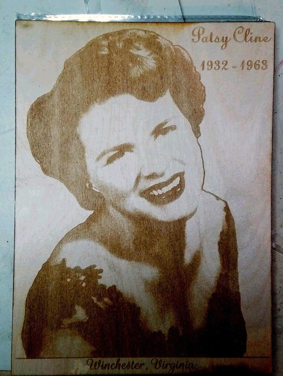 """Engraved Patsy Cline RIP Photo on Wood 10/"""" x 7/"""" 1932-1963 Winchester Virginia"""