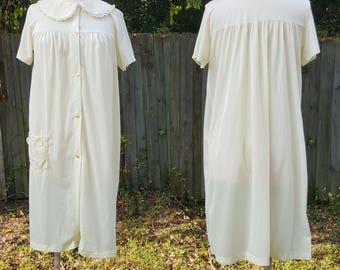 98bba6c613 Vintage YELLOW 1960 s Nancy King Lingerie Nylon Satin Robe Size M Medium