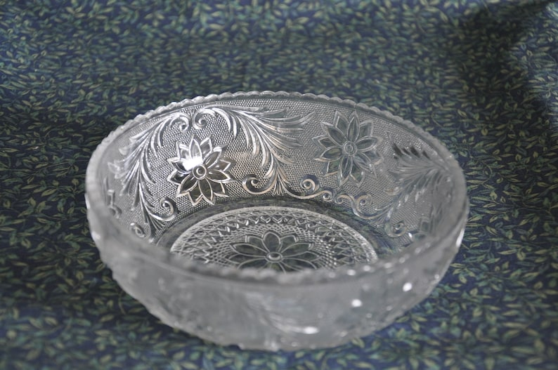 Candy Trinket Dish Vegetable Side Dish Floral Poinsettia Flowers Vintage Glass Serving Bowl