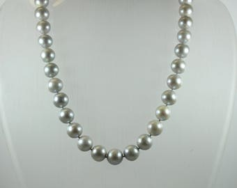 Mid-Century Style (1933-1965) Sterling Silver Light Grey Freshwater Pearl Beaded Necklace