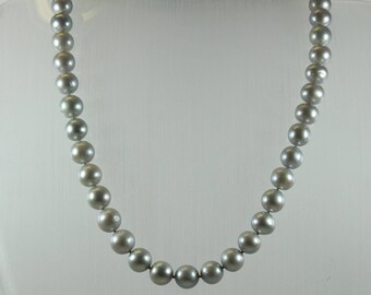 Art Deco Style (1920-1935) 14ct White Gold Light Grey Freshwater Pearl Beaded Necklace