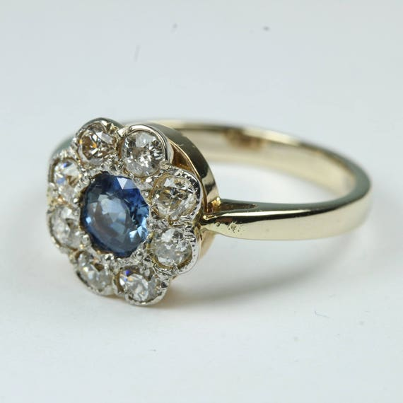 46e5636534c8a Vintage Edwardian 18ct Yellow Gold Sapphire and Diamond Daisy Cluster Ring  Size: O-7