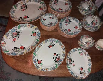 43 piece 19th New Chantilly Century Doulton style RN 537783