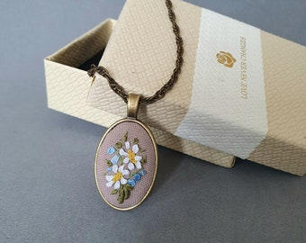 Hand embroidery necklace daisies Ribbon embroidery chamomile pendant Summer flower jewelry daisy