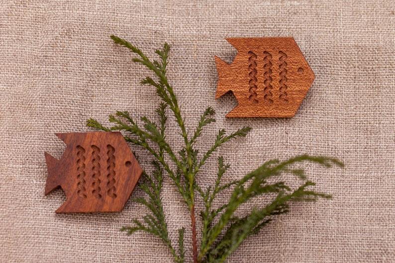 No Laser Mother/'s Day Gift Wooden Brooch Wood Animal Brooch Wood Brooch Fish Animal Jewelry Handmade Brooch Wood Brooch