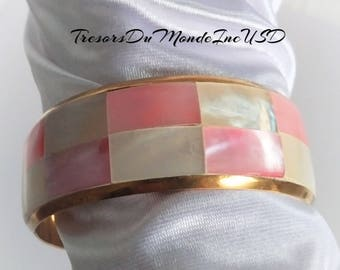 Golden Brass bangle Bracelet inlaid with Ivory and Pink rectangles of Mother-of-Pearl/Vintage Bracelet/Gift/Souvenir/Summer find/Collection